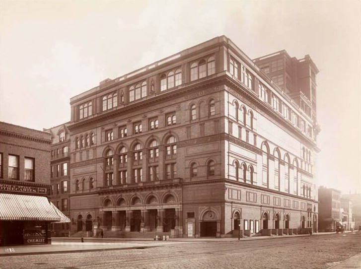 carnegie_hall_in_1895